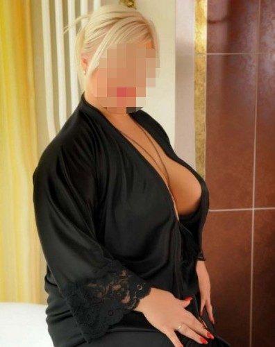 Baştan çıkaran otelde buluşan kız Pirilti