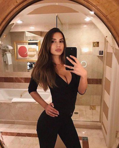 Olağanüstü otelde buluşan escort Papatya