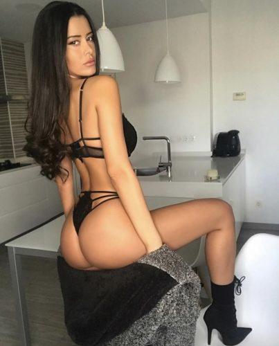 Seks kraliçası kaprissiz bayan Aygen