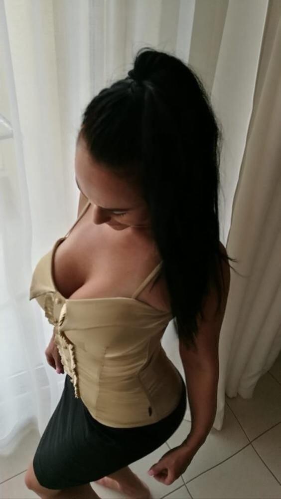 Seksi kumral kadın Işin